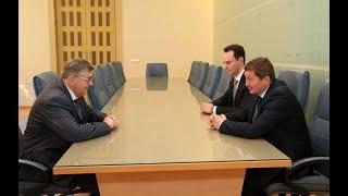 Губернатор Андрей Бочаров провел рабочую встречу с замминистра здравоохранения РФ Сергеем Краевым