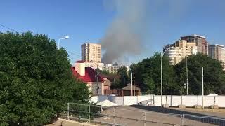В Ростове на 1 Линии горит жилой дом