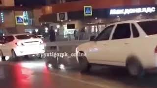 Голый мужчина гулял по улицам Пятигорска