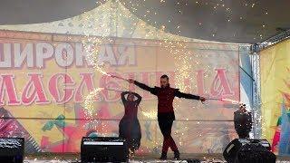 Огненной потехой завершились проводы Масленицы в Волгограде