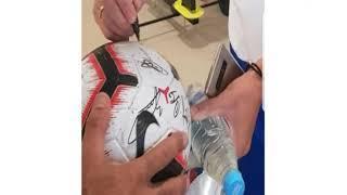 Футбольный мяч за миллион рублей продают в Ростове
