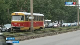Сотни водителей Барнаула попали в гигантскую пробку