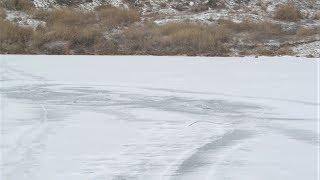Семья из Нижневартовского района провалилась под лёд на снегоходе