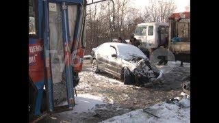 Виновник ДТП не «переобул» машину и врезался в хабаровский автобус. Mestoprotv
