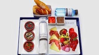 «Вам курицу или рыбу?» Как устроена индустрия питания в самолетах