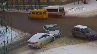 ДТП (авария г. Волжский) пр. Ленина ул. Комсомольская 15-03-2018 08-46