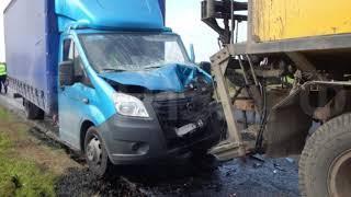 Москвич на «Газели» сбил дорожного рабочего в Тотемском районе