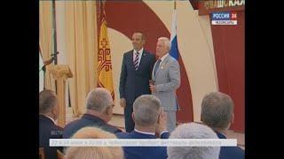 Михаил Игнатьев вручил государственные награды самым трудолюбивым жителям Чувашии