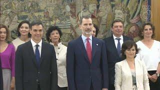 В Испании новое правительство: женщины во главе большинства ведомств…