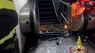 30 человек пострадали при обрушении эскалатора в римском метро. Большинство - болельщики ЦСКА…