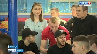 Сильнейшие боксёры со всего края приехали в Барнаул