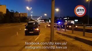 Видео с места: Мото ДТП с пострадавшими в Киеве на Корчеватом: Мазда и байк. Пострадал пилот.    fac
