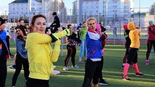 Надо подкачаться: в Ханты-Мансийске проходят открытые фитнес-тренировки