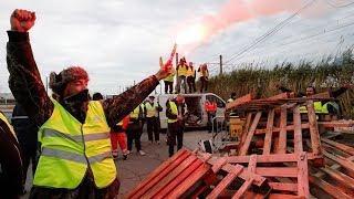 Неугасающие протесты: как европейцы борются с высокими ценами на топливо?