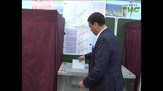 Председатель самарского избиркома Вадим Михеев открыл избирательный участок