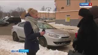 На улицах Петрозаводска прохожим раздавали бумажные черные тюльпаны