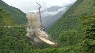Колумбия взорвала мост