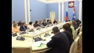 Дмитрий Азаров провел встречу с руководством областного Минздрава