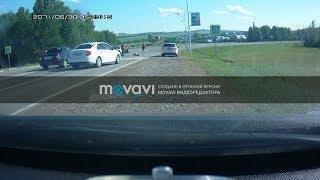 В Башкирии на пешеходном переходе сбили девушку, момент ДТП попал на видео