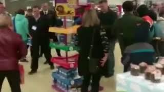 Ставропольцы устроили драку из за игрушек по акции в «Магните» 2