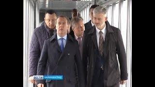 Дмитрий Медведев осмотрел здание аэропорта Храброво