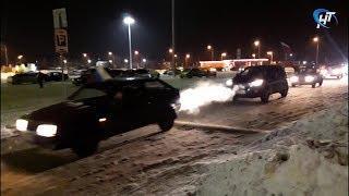 Новгородские болельщики отметили олимпийскую медаль по хоккею автопробегом по городу