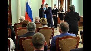 Дмитрий Азаров вручил госнаграды лучшим сотрудникам организаций Самарской области