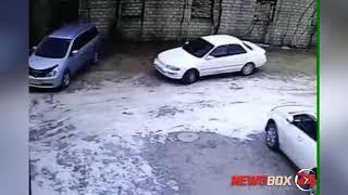 В Дальнереченске автомобилист ударил припаркованную машину и скрылся с места ДТП