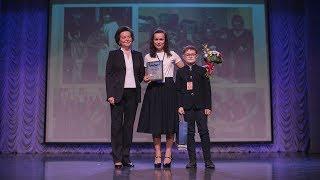 Губернатор Югры поздравила лучшие семьи региона