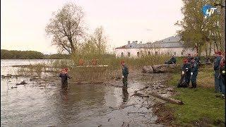 Новгородские спасатели присоединились к всероссийской акции «Чистый берег»