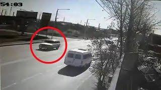 Момент ДТП на Мира во 2-м Иркутске (две камеры)