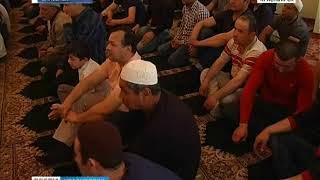 Праздничная молитва в честь Ураза-Байрам состоялась в самой старой мечети региона