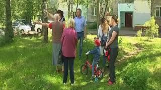 Жители одного из дворов стали заложниками борьбы двух компаний, вывозящих отходы