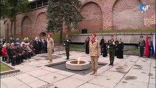 У «Вечного огня» прошел митинг и возложение цветов и венков к мемориалу