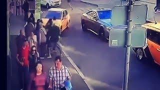 В Москве таксист сбил восьмерых людей.
