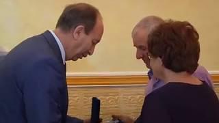 """Медали """"За любовь и верность"""" вручил супружеским парам губернатор ЕАО(РИА Биробиджан)"""
