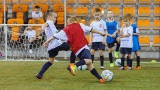 В Екатеринбурге стартовали футбольные мастер-классы для детей из моногородов