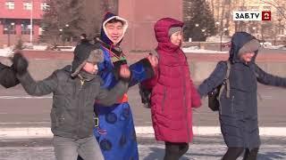 На площади Ленина Сагаалган встречали глобальным ёхором