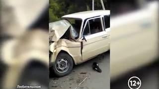 """Лоб в лоб столкнулись """"Жигули"""" и автобус в Биробиджане(РИА Биробиджан)"""