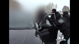 МВД опубликовало запись задержания полицейского, продававшего данные умерших людей