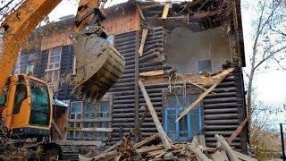 В Ханты-Мансийске по ночам сносят дома
