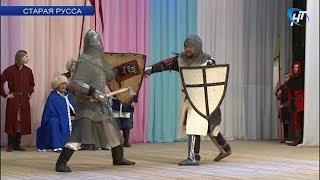 В Старой Руссе состоялся Турнир по фехтованию на разного рода оружии с историей