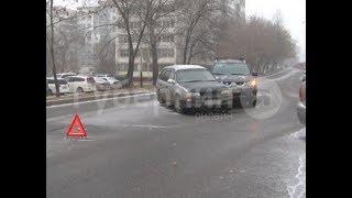 Спор из-за полос для движения произошел между участниками ДТП в Хабаровске. Mestoprotv