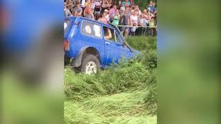 «МедвеЖесть»: в Некрасовском районе прошли соревнования по джип-триалу