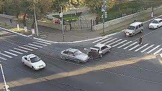 В центре Оренбурга два ВАЗа не поделили дорогу. Оренбург ДТП, дорожные новости