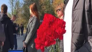 В Ростове проходит траурная церемония в память о погибших в Керчи
