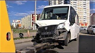 Водитель маршрутки устроил массовое ДТП в Сургуте