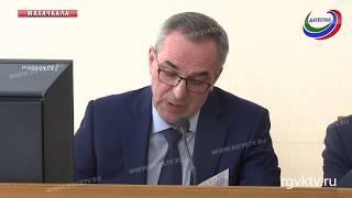 На расширенной коллегии Минздрава РД глава ведомства подверг критике работу нескольких главврачей