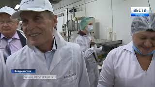 Губернаторская буханка. Олег Кожемяко поработал руками на предприятии «Владхлеб»