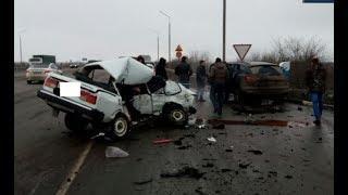 17 февраля на трассе Лобовое столкновение в ДТП под Ростовом погиб пенсионер